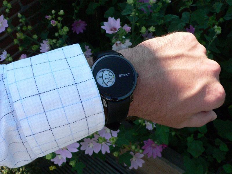 Seiko-burger-wristshot-03.jpg
