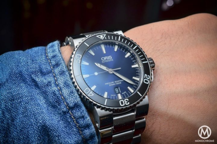 Hands On With The Oris Aquis Date With A Gradient Blue