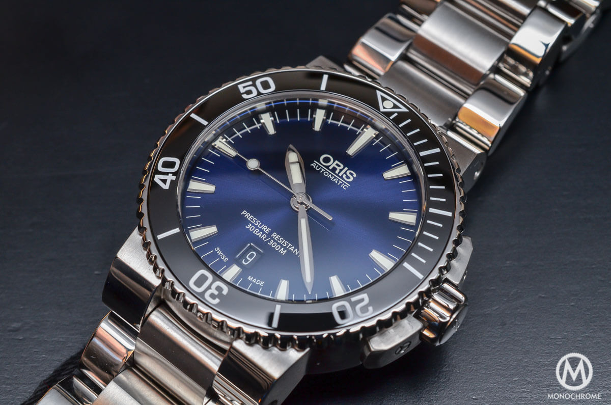 Oris-Aquis-Date-Gradient-Blue-4.jpg