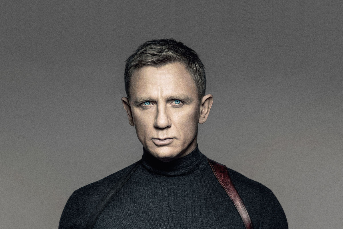 daniel craig to wear an omega seamaster 300 master co axial on striped nato strap in james bond. Black Bedroom Furniture Sets. Home Design Ideas