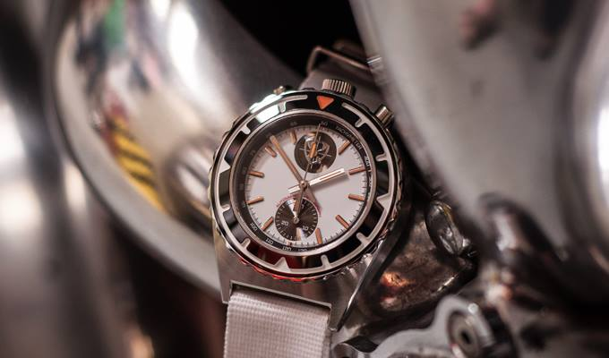 Omega Authorized Dealer >> Kickstarter Project: The super cool bullheads chronograph from Stuckx Watches - Monochrome-Watches