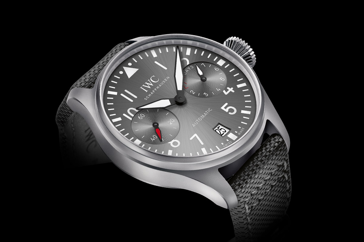 Introducing IWC Big Pilot's Watch Edition Patrouille Suisse foto