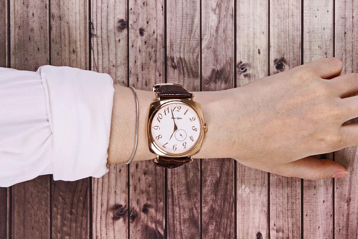 Don Kylne Co watch - gold plated wristshot
