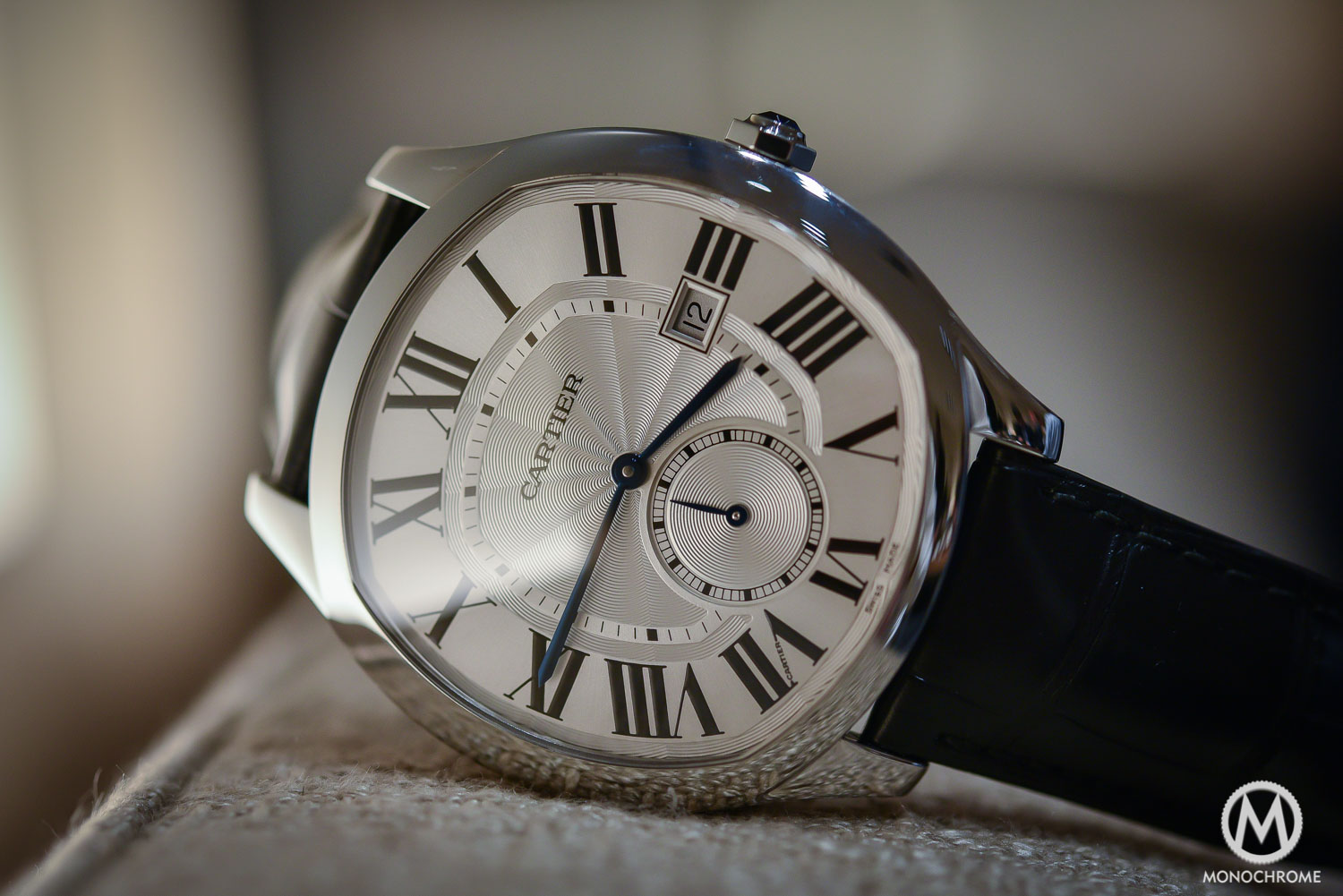 Cartier Drive - Drive de Cartier - SIHH 2016 - case and dial