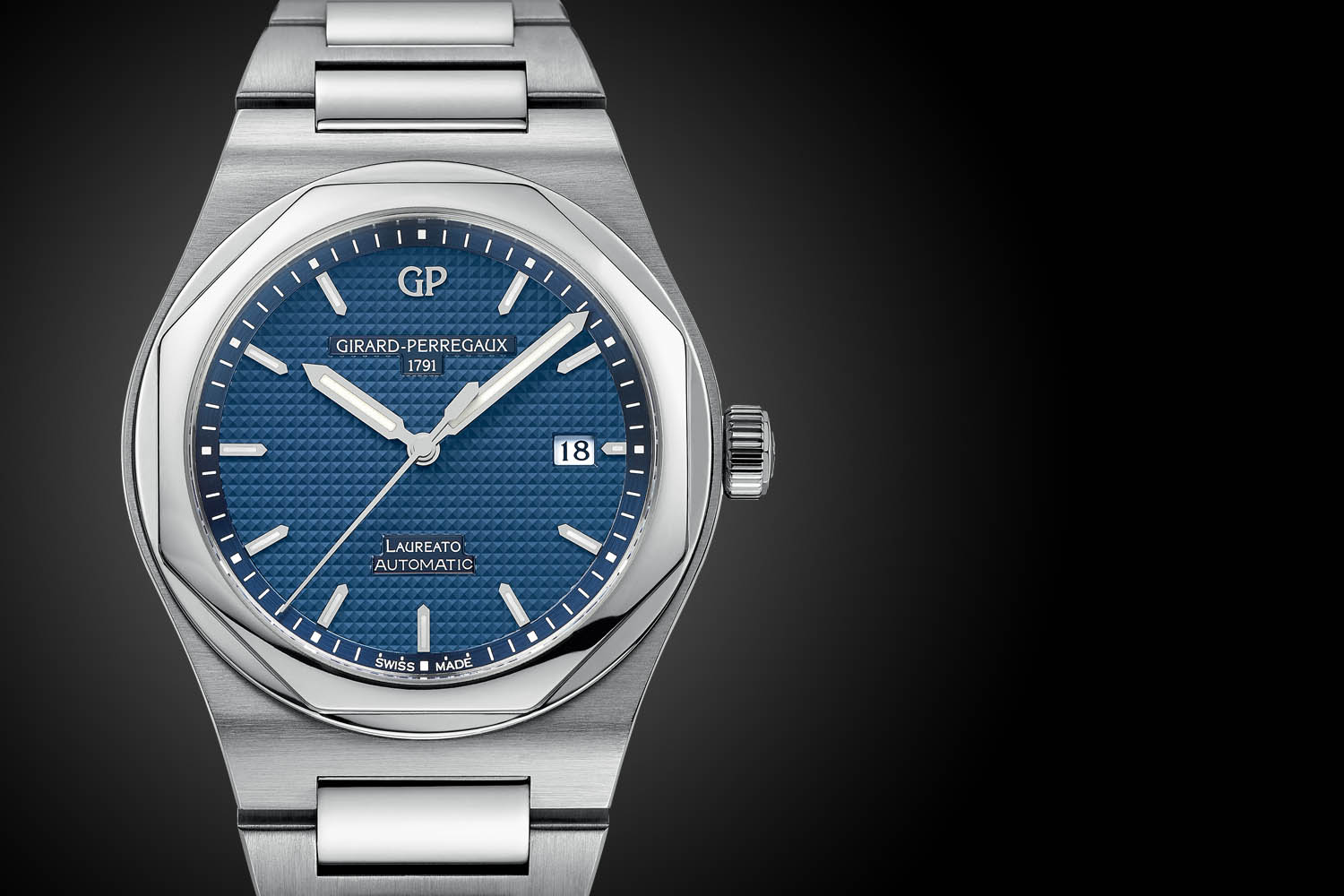 Pre baselworld 2016 the re birth of the girard perregaux laureato 2016 edition ref 81000 for Girard perregaux