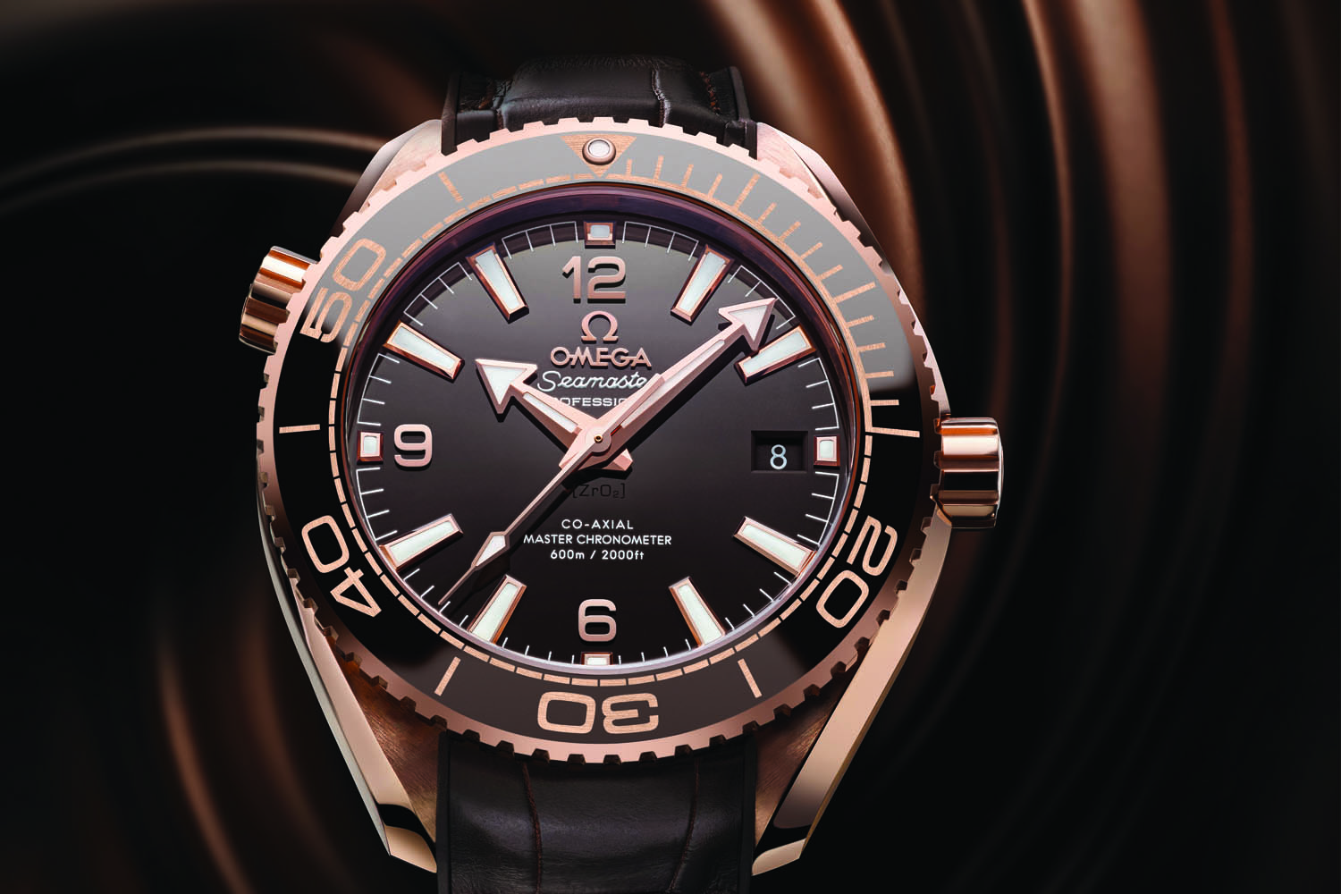 ablogtowatch difficult ocean say very watches seamaster allow always gmt well watch range omega the planet to me as review images that marketing reproduce been has timepiece in photograph