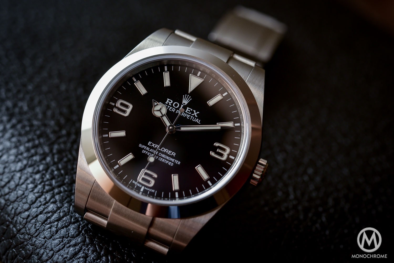 Introducing the 2016 rolex explorer 214270 with new hands and new indexes live photos price for Rolex explorer