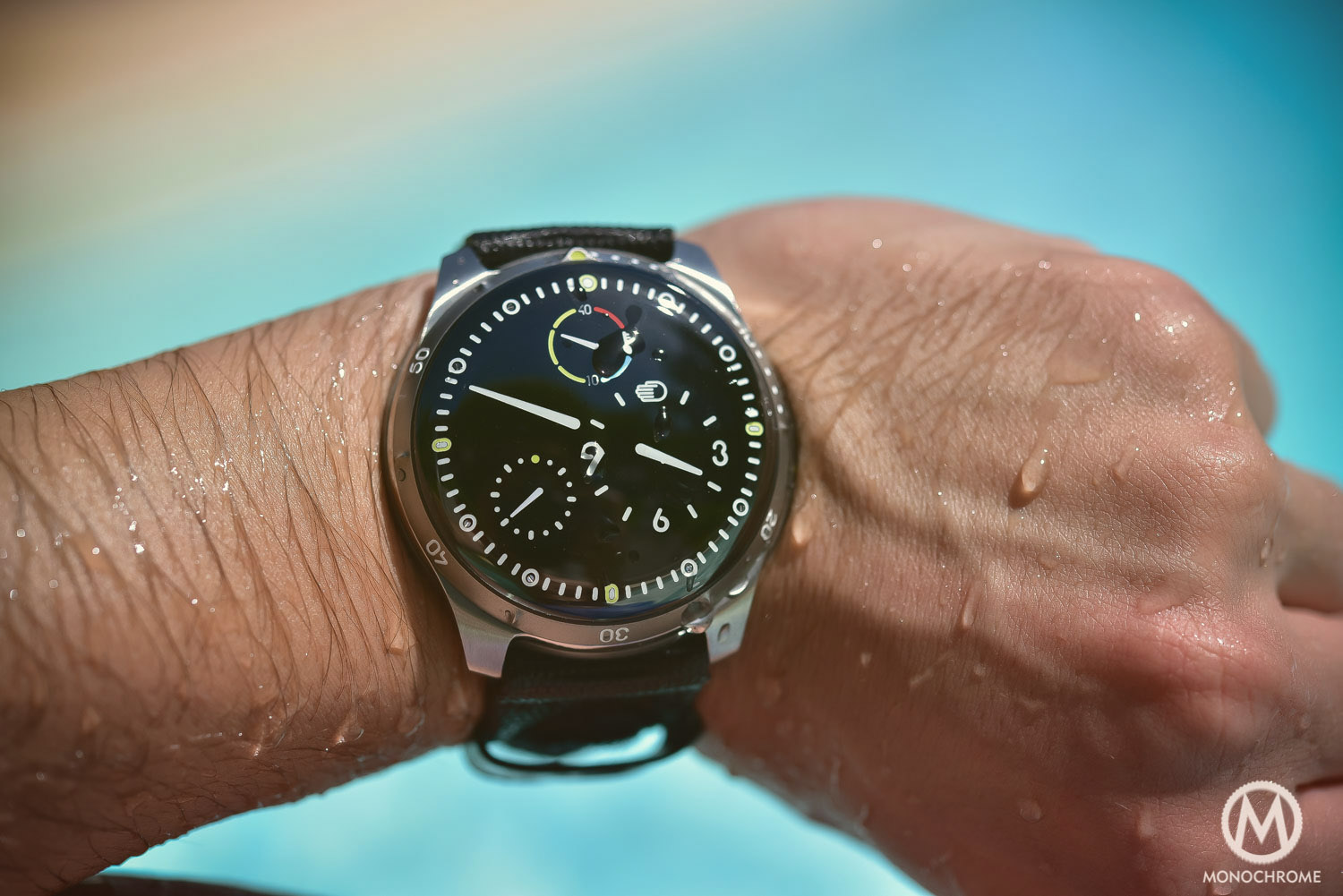 My summer with the ressence type 5 and does it really have zero reflection under water for Ressence watches