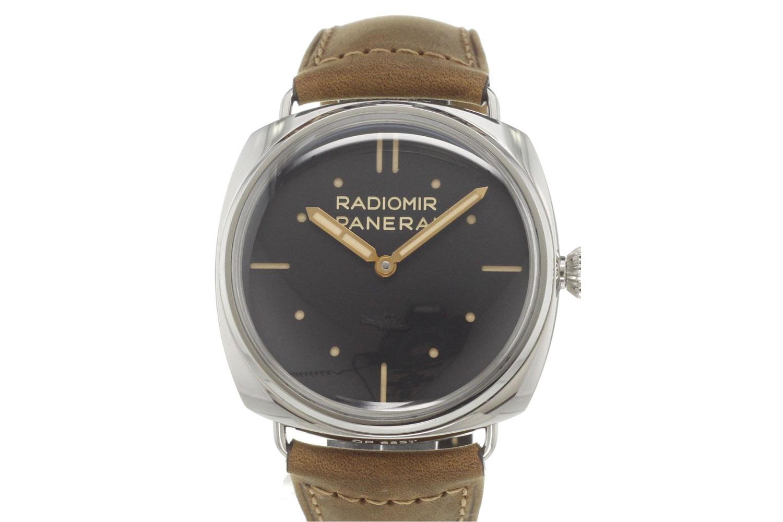 5-cool-finds-chronext-5-essential-dive-watches-panerai-radiomir-s-l-c-3-days-acciaio-pam00425
