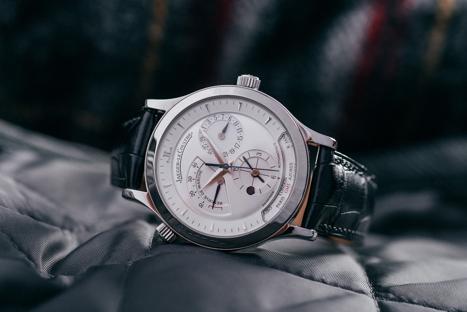 5 Cool Finds – 5 Multiple Time-Zones Watches to Inspire the Traveler in you