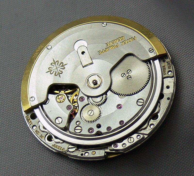 patek-philippe-nautilus-calibre-28-255-c