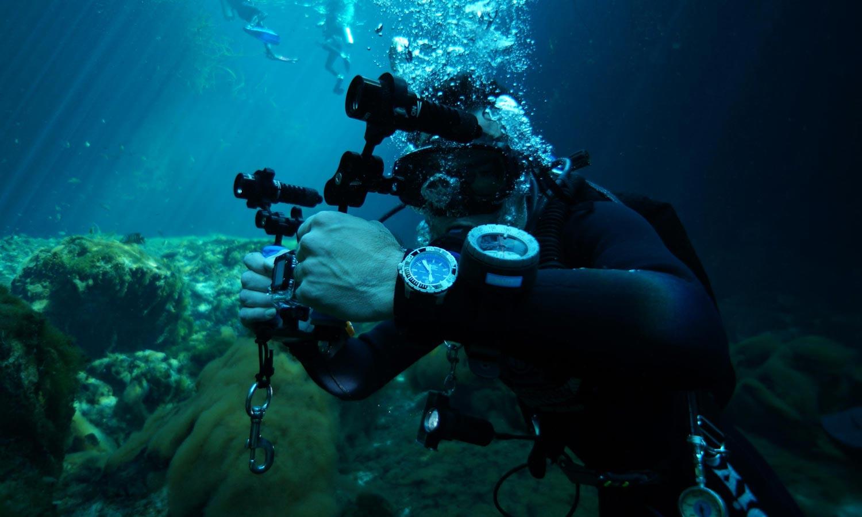 Value proposition deep blue master 2000 diver 10 years - Dive deep blue ...