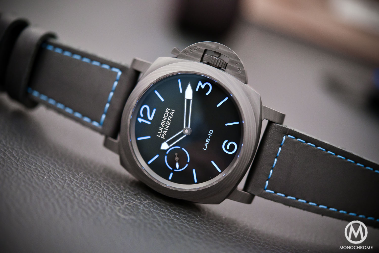 en collection preview collections watch front luminor panerai watches