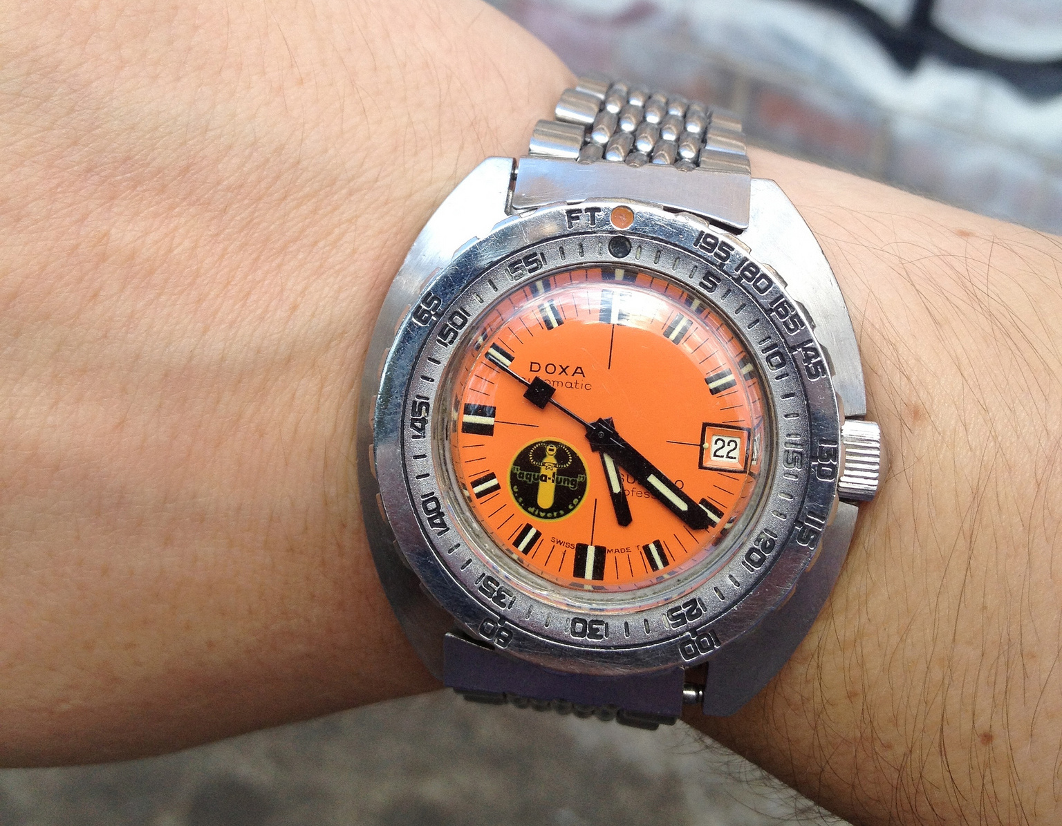 doxa sub300 professional black-lung prototype vintage 1967 - source dreamchrono