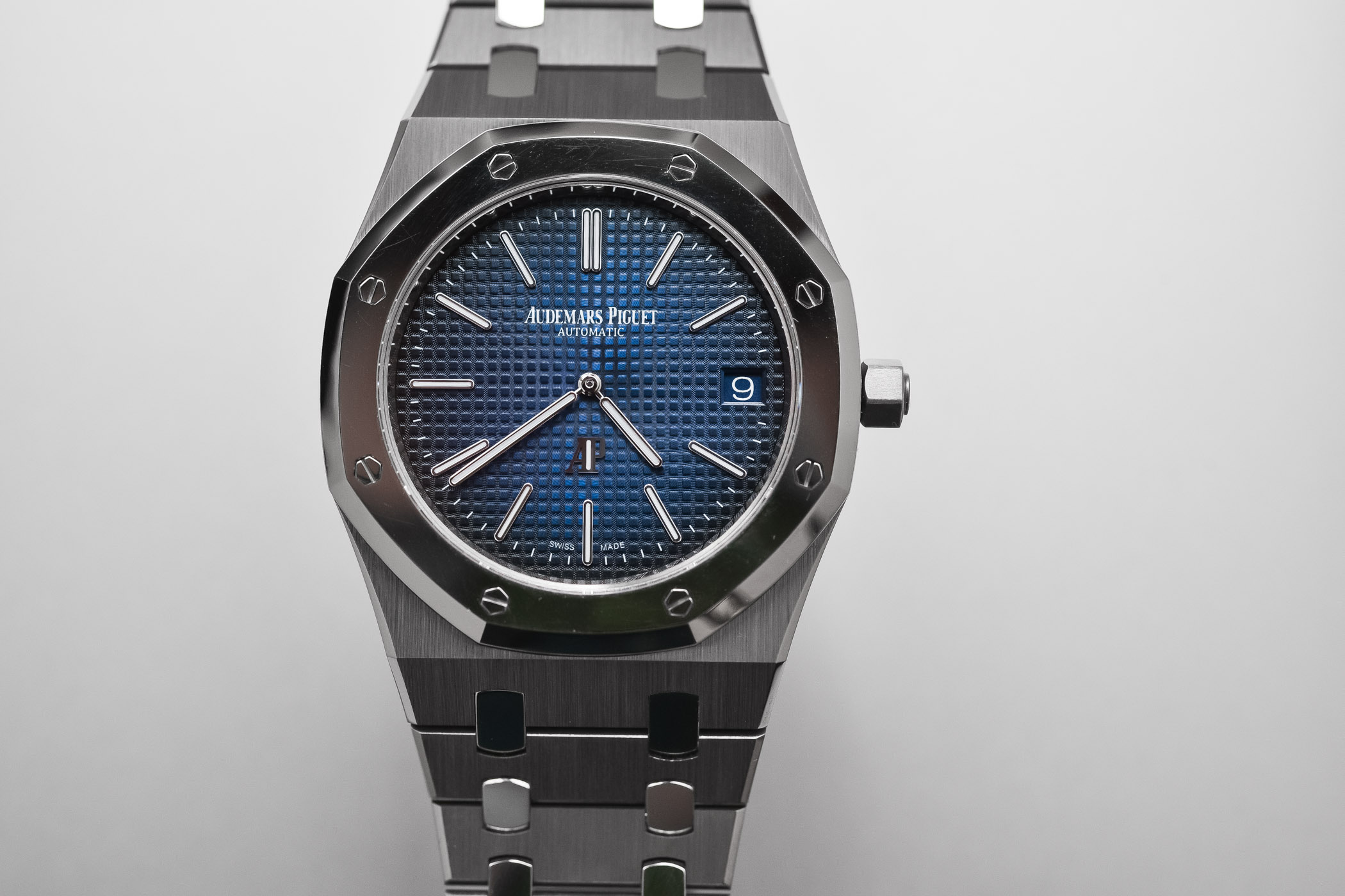 sihh titanium dial jumbo oak blue review thin price royal extra platinum piguet smoked audemars