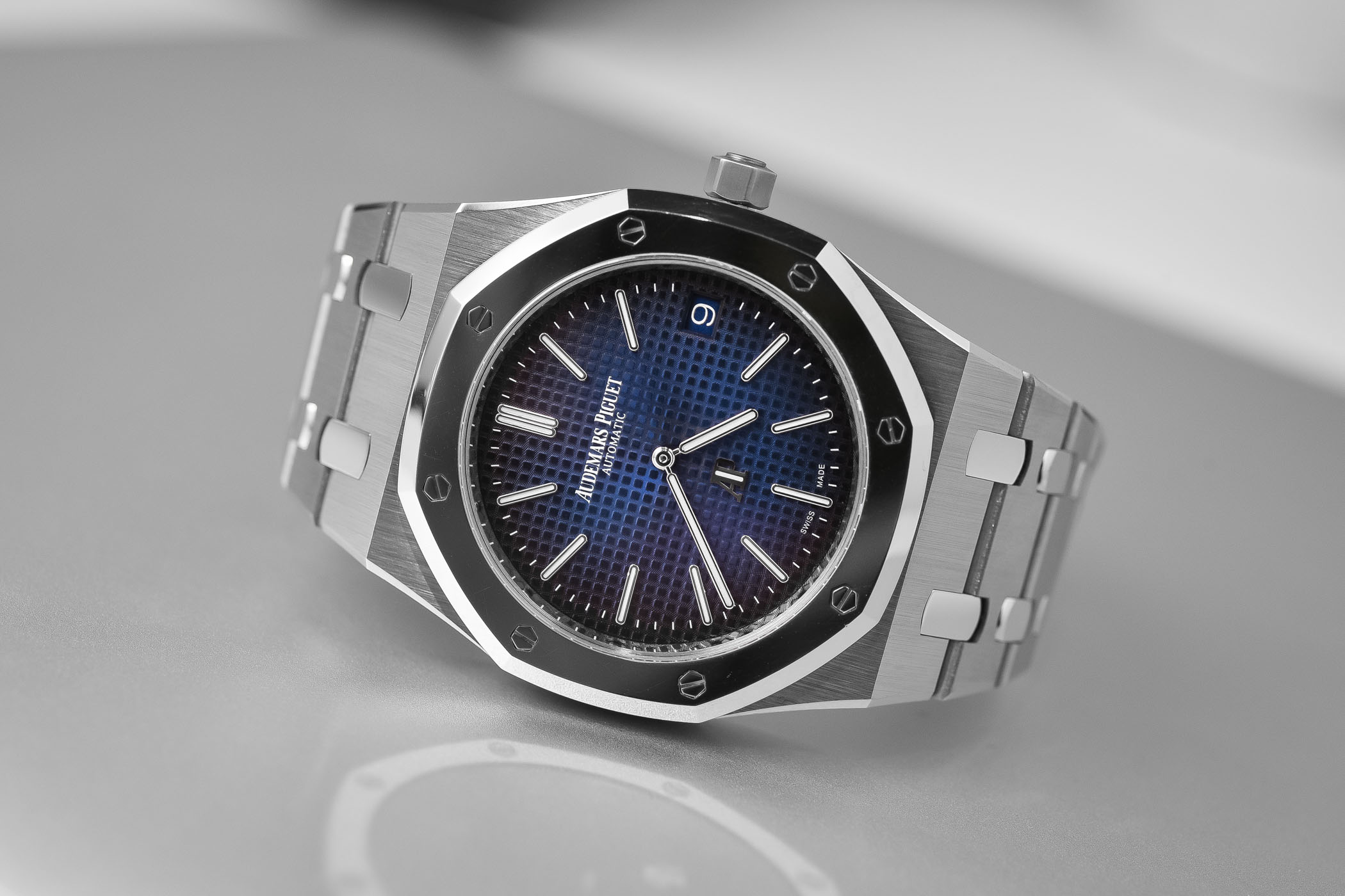 platinum concept second gen watch titanium apple