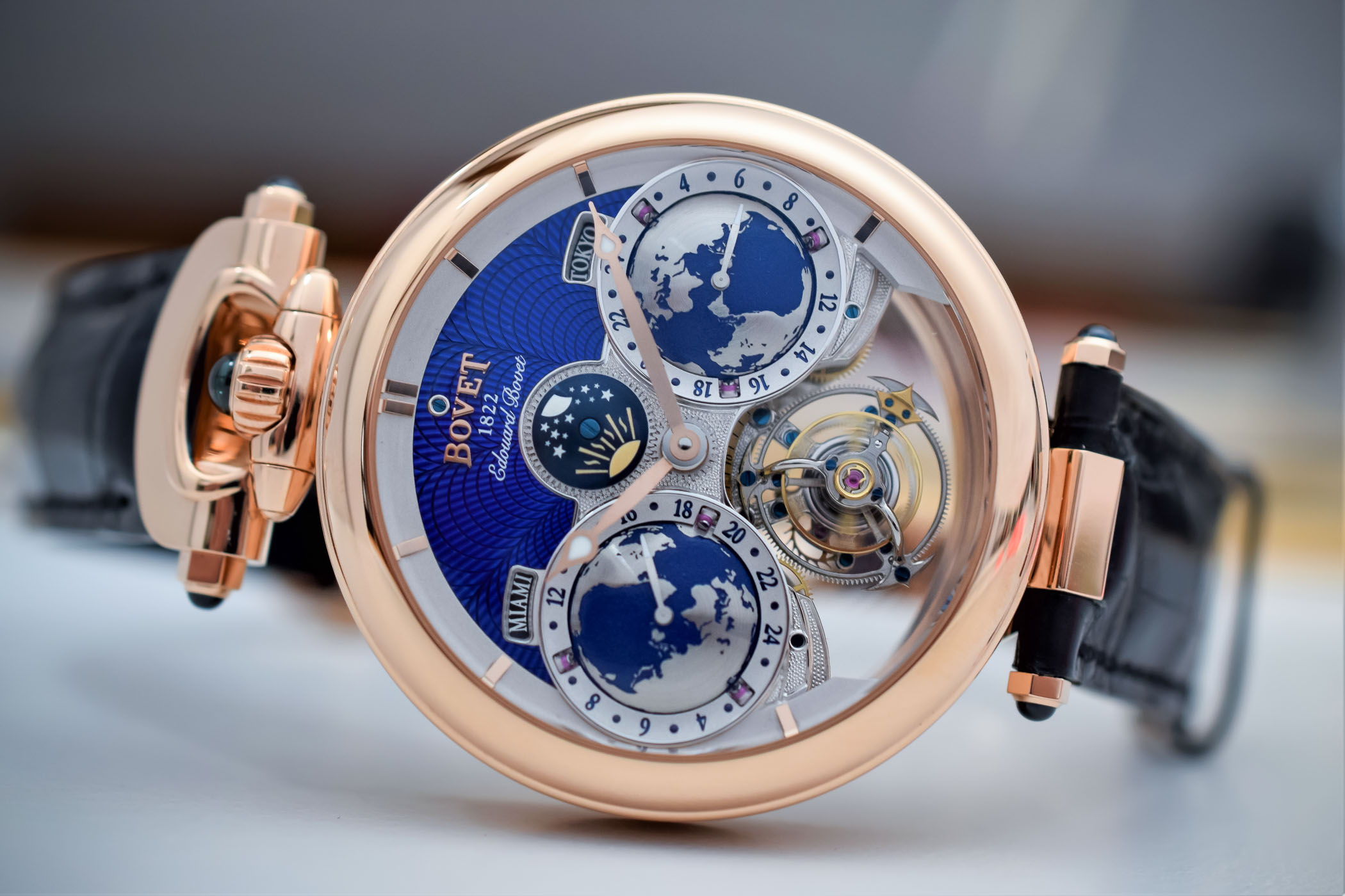 tourbillon from independent guide flying watchmakers watches buying