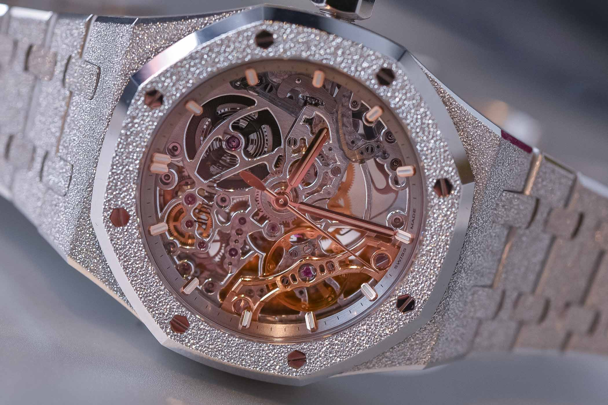 Audemars Piguet Royal Oak Double Balance Wheel Openworked 37mm Frosted Gold white - 15466BC.GG.1259BC.01