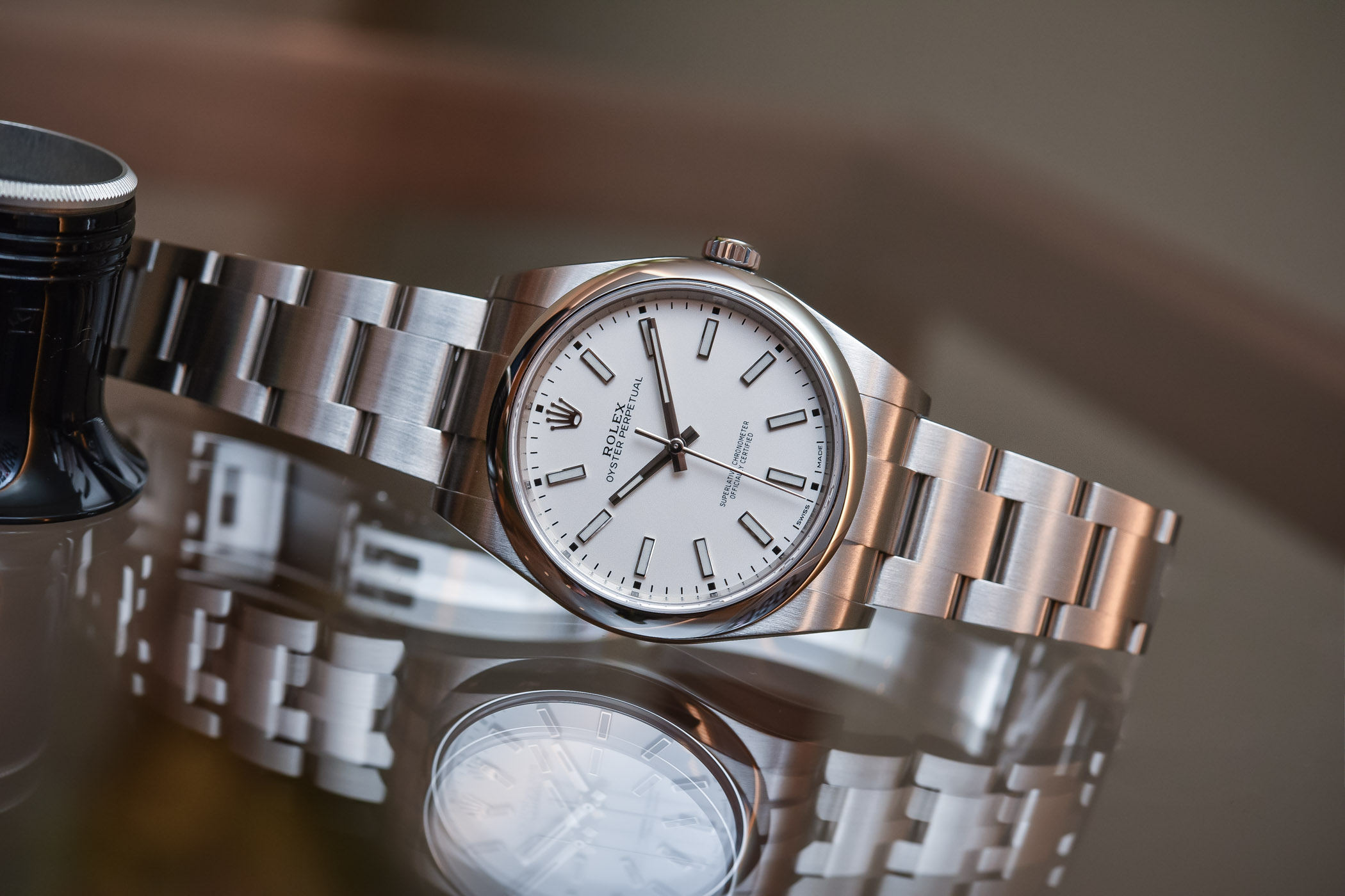 Rolex-Oyster-Perpetual-39-ref-114300-Whi