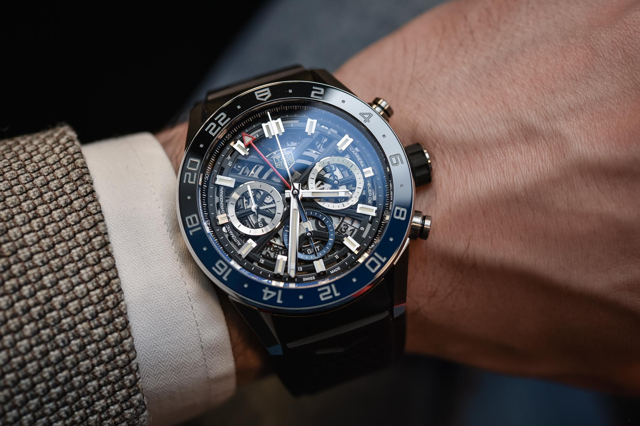 Tag heuer carrera heuer 02 gmt chronograph hands on review specs price for Tag heuer carrera