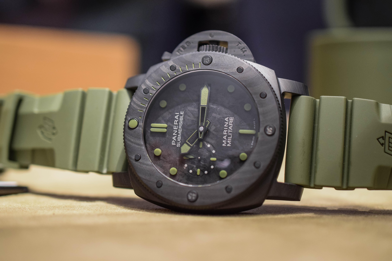 panerai-submersible-marina-militare-carbotech-pam00961-horizonal