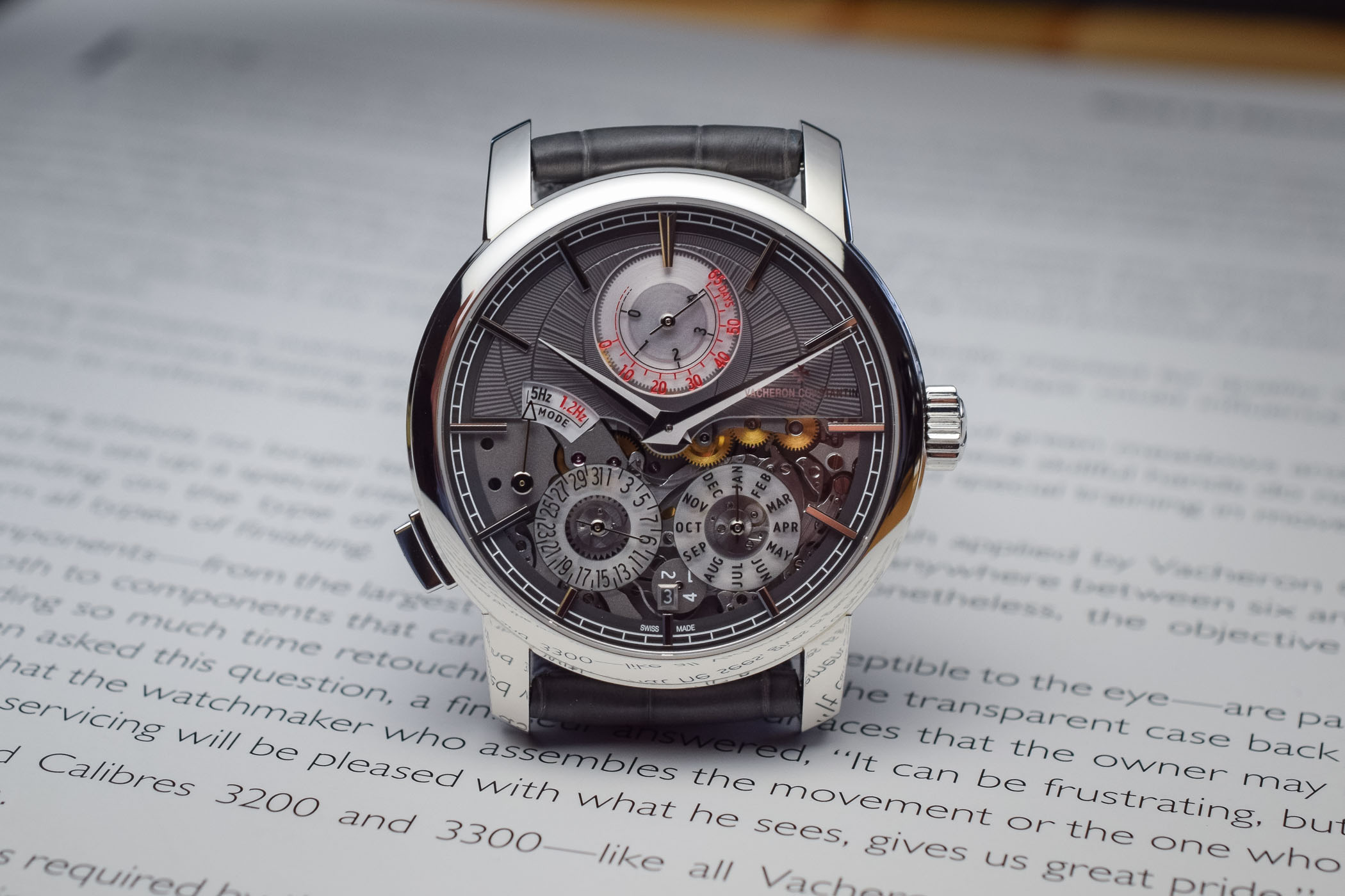 vacheron-constantin-traditionnelle-twin-beat-perpetual-calendar-front