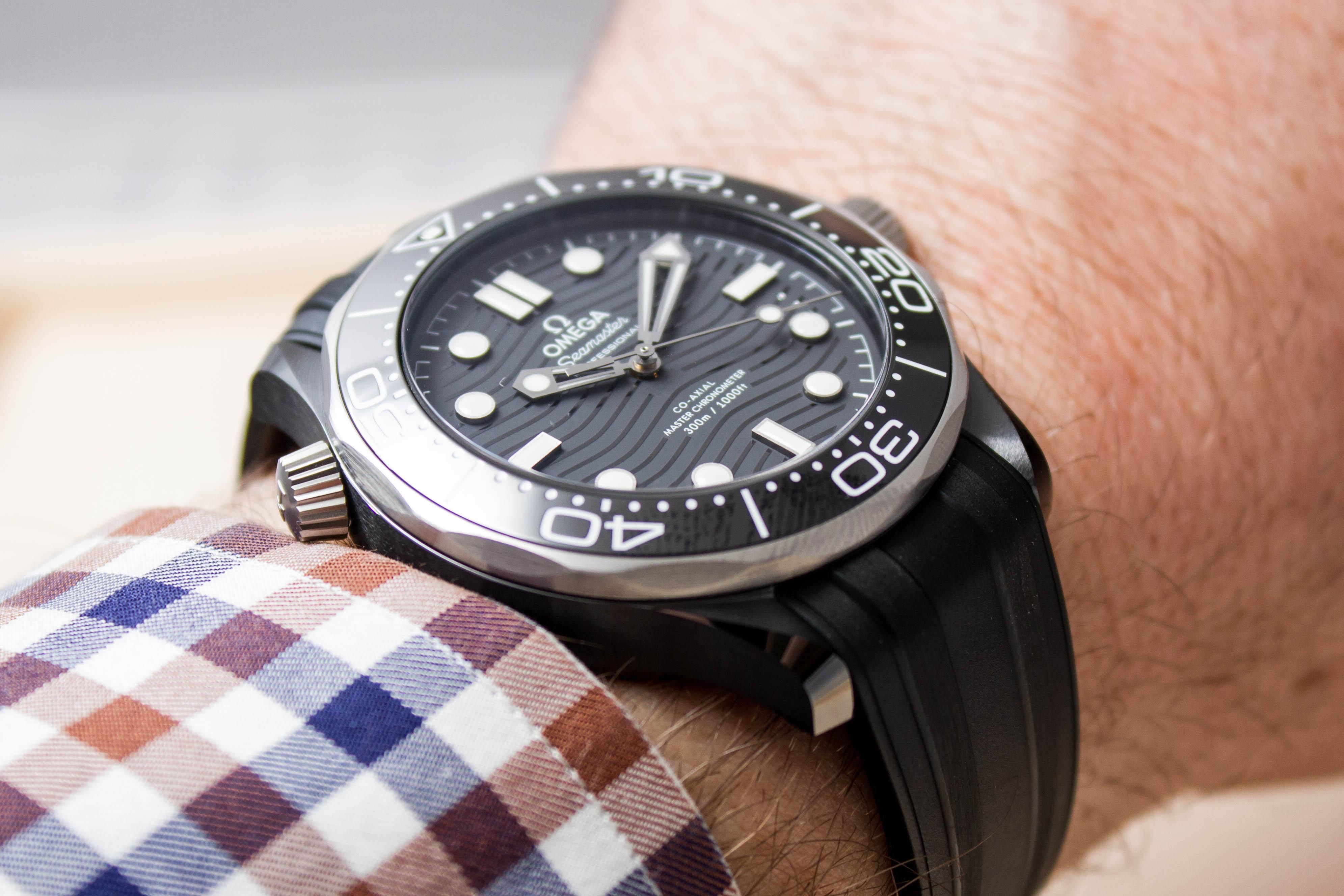 57cd59111ee4 Omega Seamaster Diver 300M Ceramic-and-Titanium no-date –  210.92.44.20.01.001 – review – 10